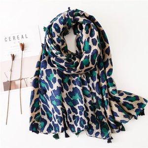 (Last 1) Soft Leopard print scarf with tassels  🐆